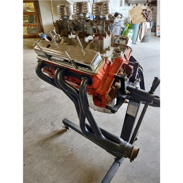 GM SHOWROOM ENGINE with STAND