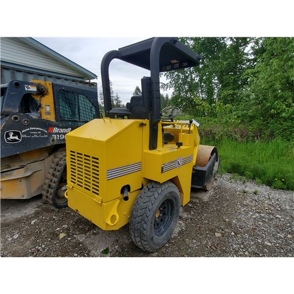STONE ROLLER YELLOW ARTICULATED DIESEL COMPACTING ROLLER *HOUR METER READ 1352*,