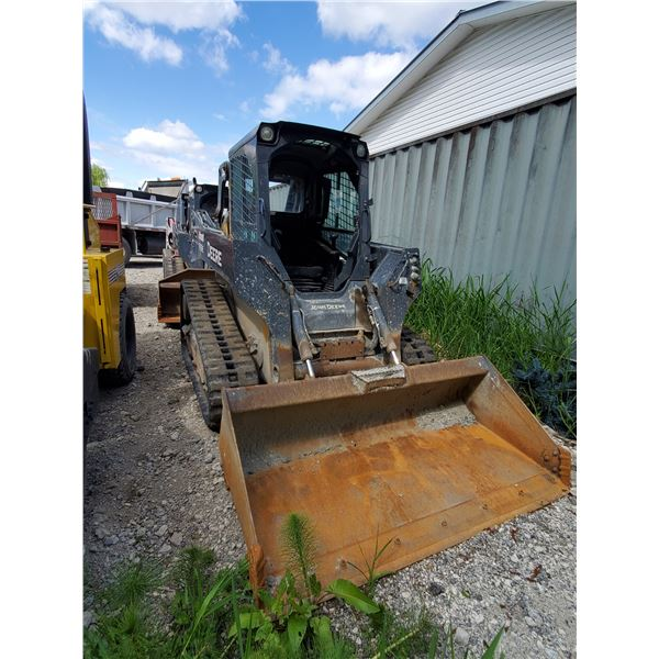 2014 JOHN DEERE 319E RUBBER TRACK COMPACT SKID STEER LOADER WITH BUCKET, QUICK CHANGE, AUX
