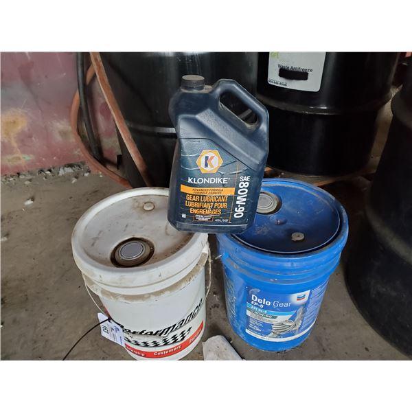 2 5GAL PAILS & 4L JUG OF 80W-90 GEAR OIL