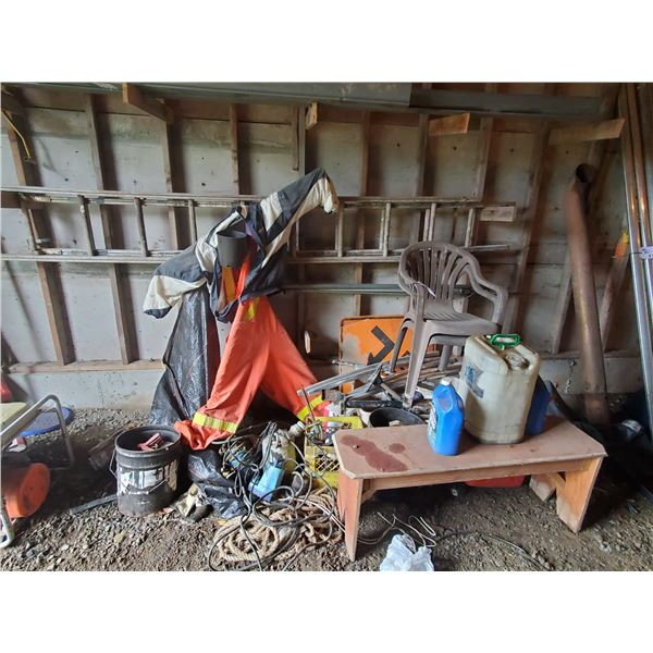 LADDER, DECK CHAIRS, ELECTRIC SUMP PUMPS, & MISCELLANEOUS ITEMS