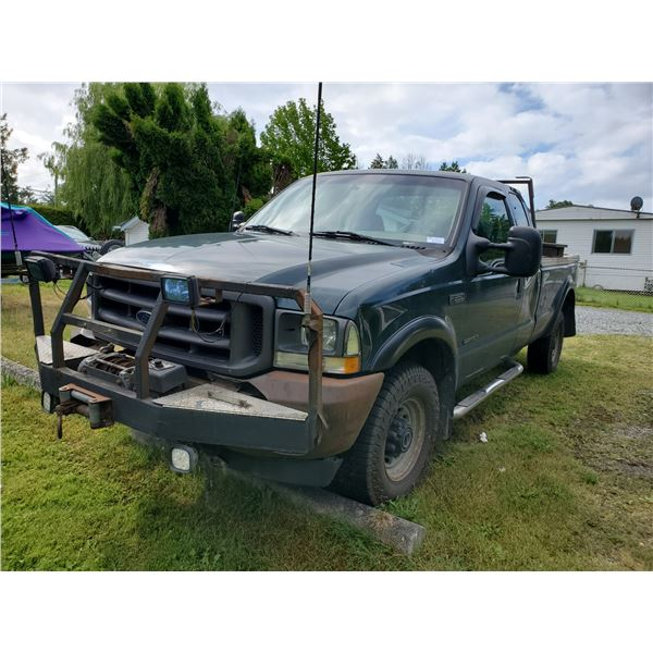 2002 FORD F-350 XL SUPER DUTY 2 DR EXTENDED CAB PICK UP, GREEN VIN #1FTSX31F72EB48919