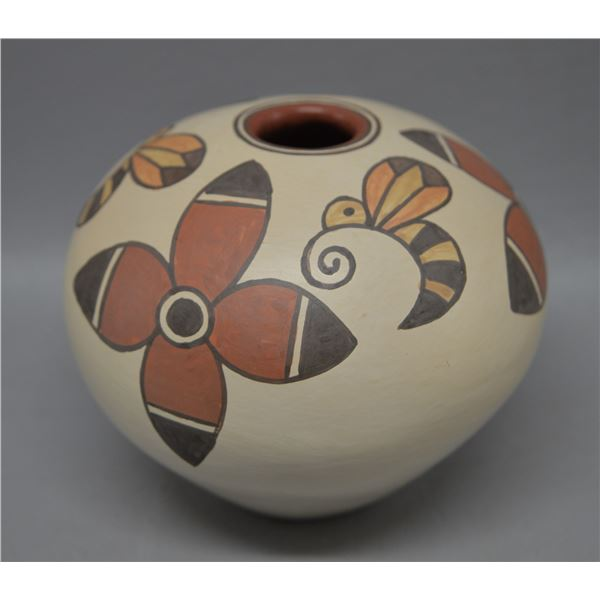 NATIVE AMERICAN SANTA CLARA POTTERY SEED JAR BY LOIS GUTIERREZ