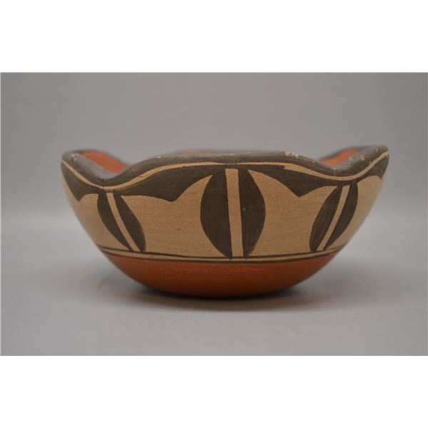 NATIVE AMERICAN ZIA POTTERY BOWL BY PETRA LUCERO