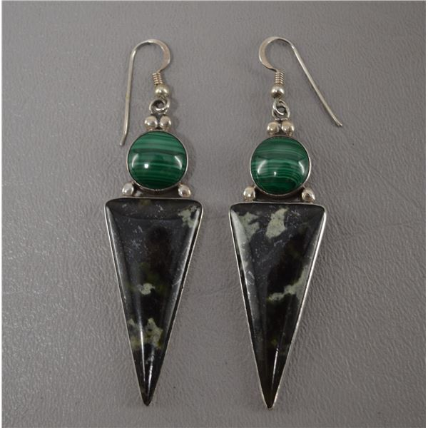 NATIVE AMERICAN NAVAJO SILVER EARRING SIGNED WITH S AND HALLMARK