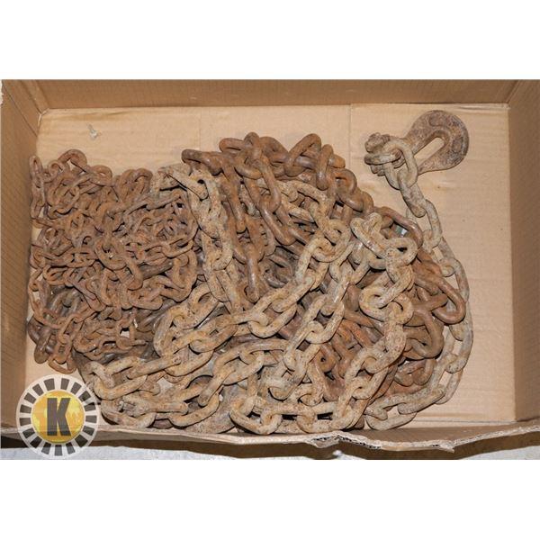ESTATE BOX OF HEAVY DUTY CHAINS