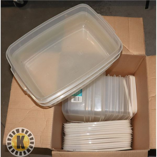 BOX OF PLASTIC RUBBERMAID FOOD CONTAINERS