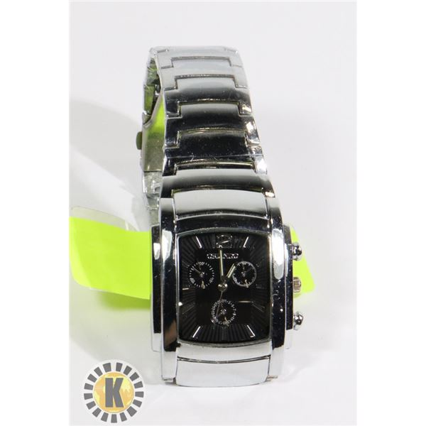 SQUARE HEADED WATCH