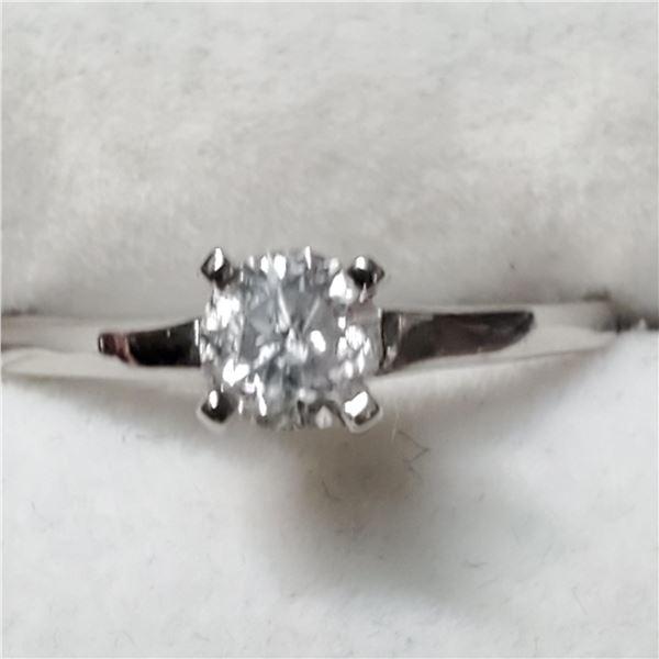 10K WHITE GOLD DIAMOND(0.4CT, I3,F) RING