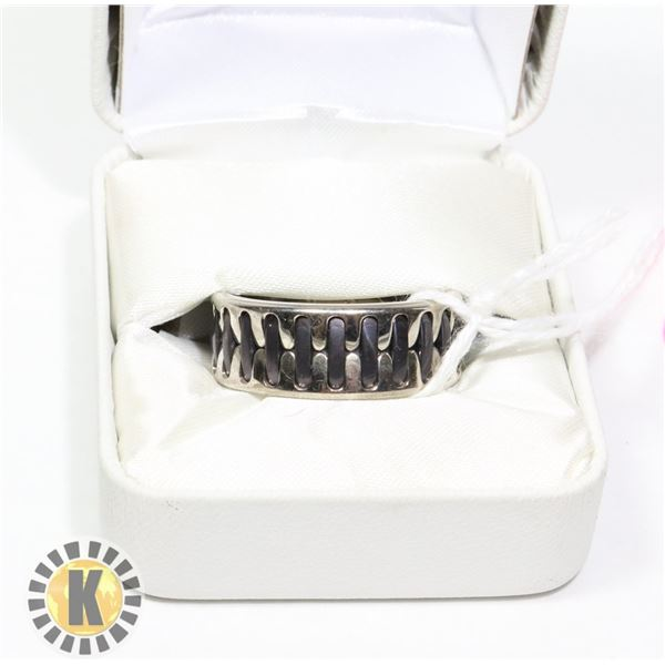 STAINLESS STEEL & BLACK RUBBER RING SZ 12 8MM WIDE