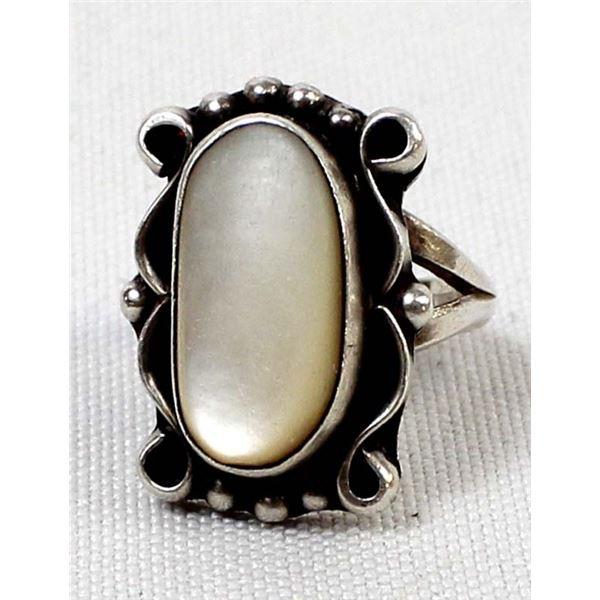 Vintage Navajo Sterling Mother of Pearl Ring, 6.5