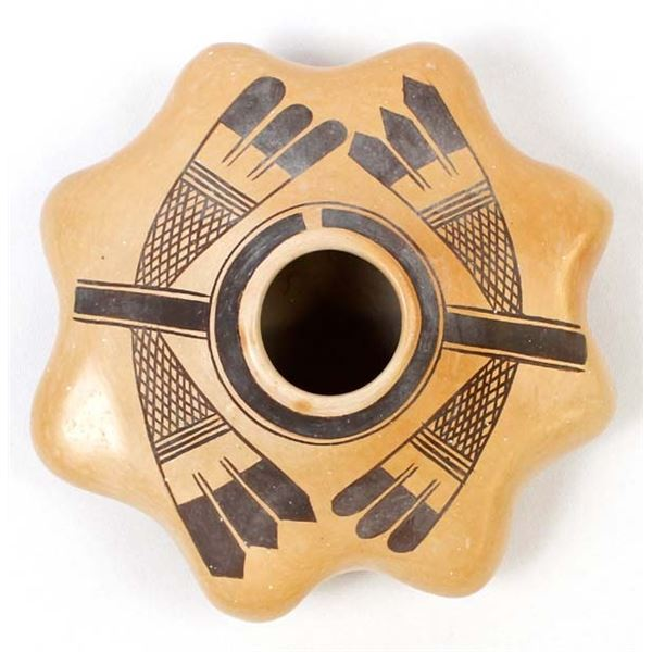 Historic Native American Hopi Pottery Seed Jar