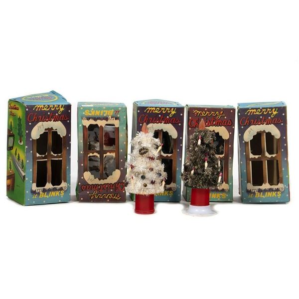 Five Battery Powered Blinking Christmas Trees - Scenery for the Layout