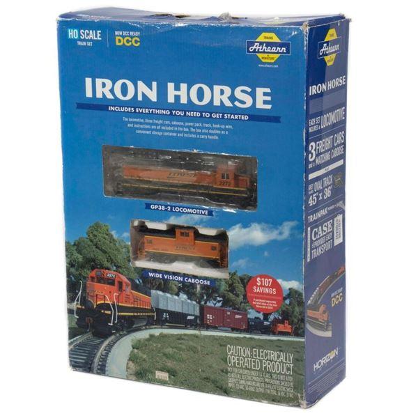 Athearn Iron Horse Set. Diesel Loco & 4 cars