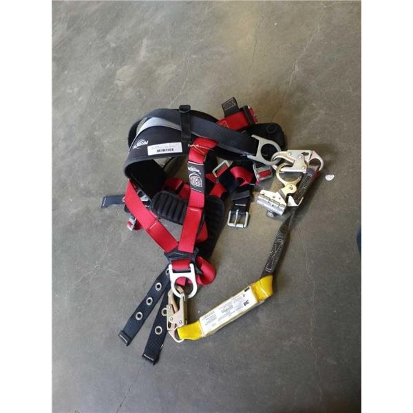 PROTECTA SAFETY CLIMBING HARNESS WITH LANYARD