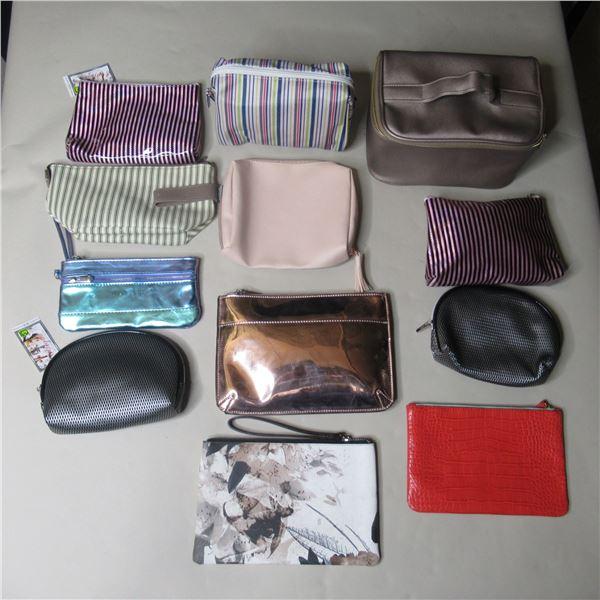 LOT: 12 ASSTD MAKE-UP BAGS /SACS DE MAQUILLAGE