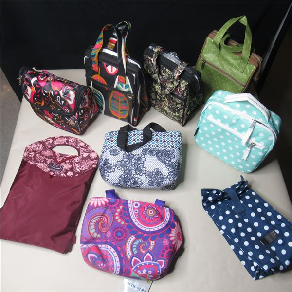 LOT: 9 LUNCH BAGS / SACS A LUNCH