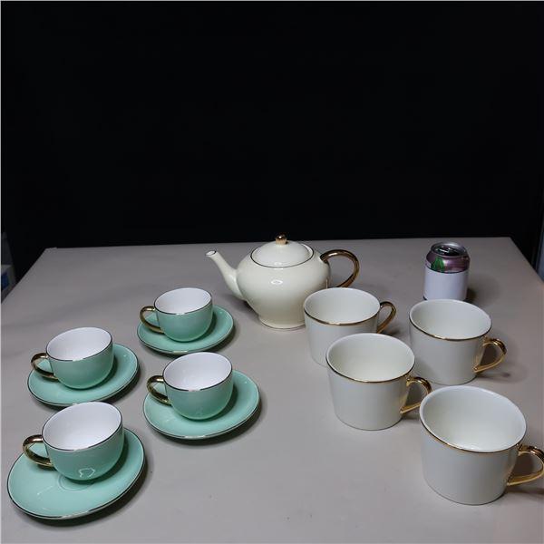LOT: 13PCS TEA SET / ENSEMBLE DE THE