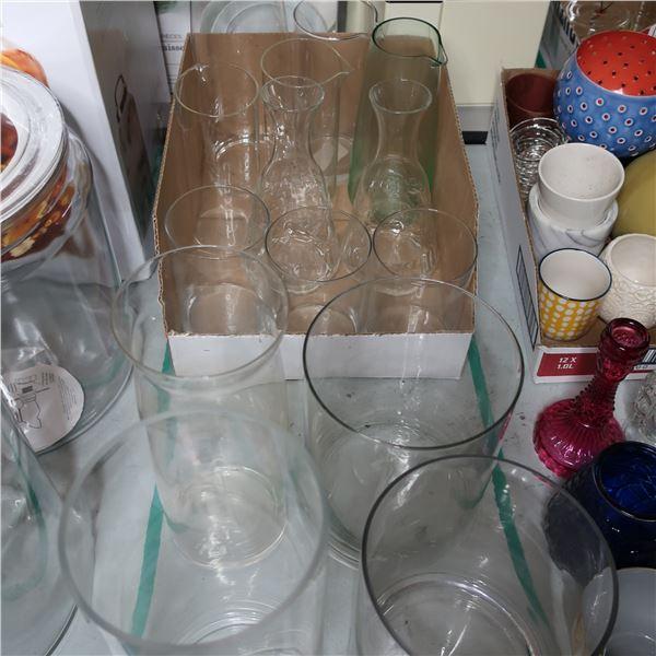 LOT: 14 GLASS VASES-PITCHERS / PICHETS-VASES