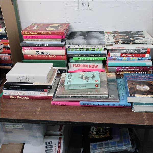 LOT: 40 BOOKS (ENGLISH) LIVRES ANGLAIS
