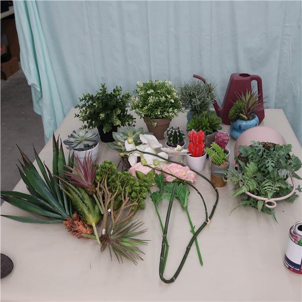 LOT: ARTIFICIAL PLANTS / PLANTES ARTIFICIELLE