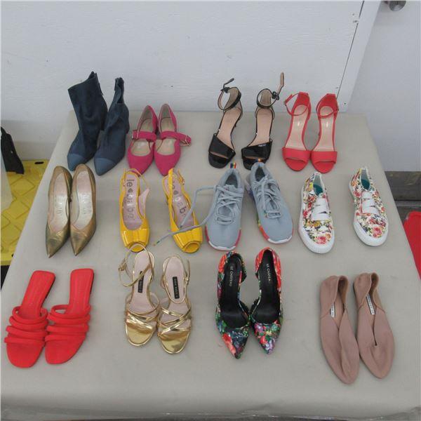 LOT: 12 ASSORTED FOOTWEAR - SIZE: 6.5