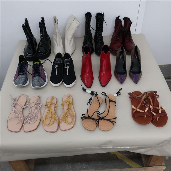 LOT: 12 ASSORTED WOMEN FOOTWEAR  - SIZE: 7-7.5