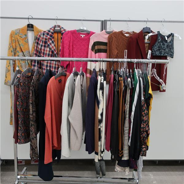 36pcs MAIN CHARACTER WOMAN CLOTHING( X-SM)