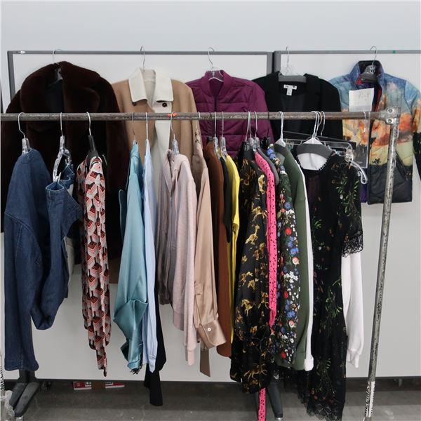 24pcs MAIN CHARACTER WOMAN CLOTHING (MED)