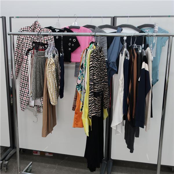 28pcs MAIN CHARACTER WOMAN CLOTHING (0-4)