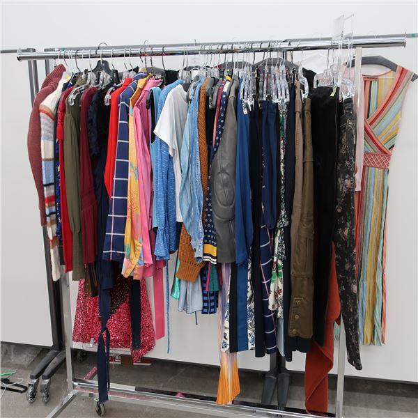52pcs MAIN CHARACTER WOMAN CLOTHING (X-SM)