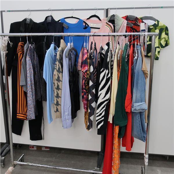 28pcs MAIN CHARACTER WOMAN CLOTHING (MED)
