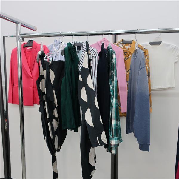 12pcs MAIN CHARACTER WOMAN CLOTHING (X-SM)