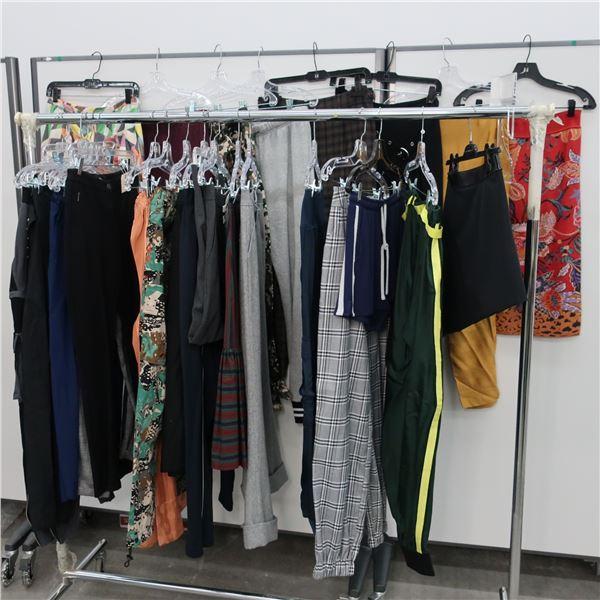 26pcs MAIN CHARACTER WOMAN CLOTHING (MED)