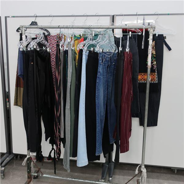 24pcs MAIN CHARACTER WOMAN CLOTHING (2-4)