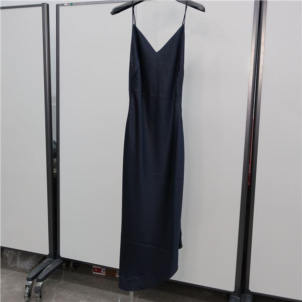 NEW - FILIPPA K DRESS, (MAIN CHARACTER)