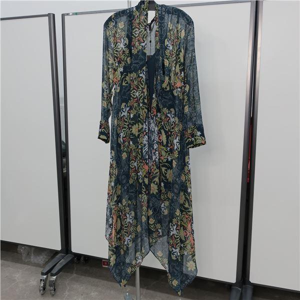 NEW - BCBGMAXAZRIA DRESS - SIZE: SMALL, (MAIN CHARACTER)
