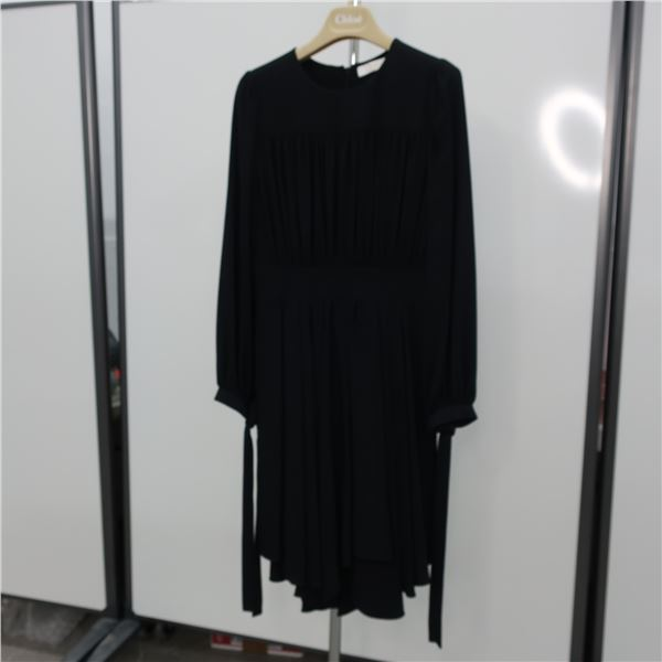 CHLOÉ DRESS - SIZE: 36, (MAIN CHARACTER)