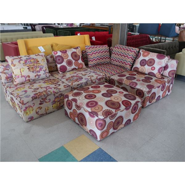 """5-PIECES COUCH WITH OTTOMAN 32"""" X 32"""" 27"""" (EACH)"""