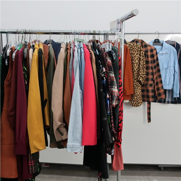 50pcs EXTRA CHARACTER WOMAN CLOTHING (SM)