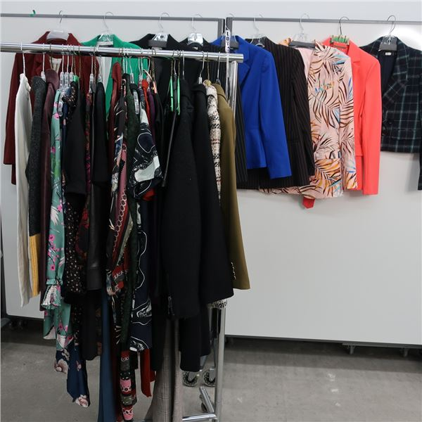37pcs EXTRA CHARACTER WOMAN CLOTHING (MED)