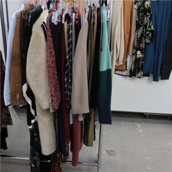 42pcs EXTRA CHARACTER WOMAN CLOTHING (LARGE)