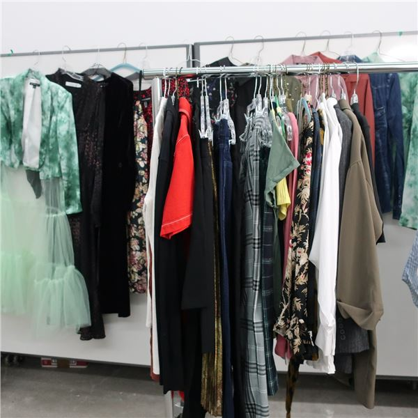 43pcs EXTRA CHARACTER WOMAN CLOTHING (LARGE)