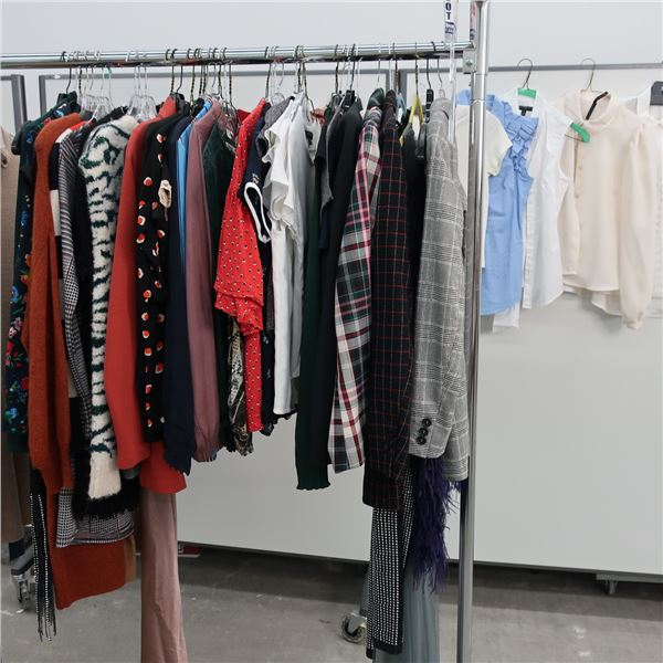 48pcs EXTRA CHARACTER WOMAN CLOTHING (X-SM)