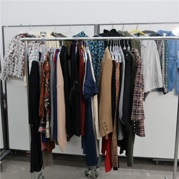 44pcs EXTRA CHARACTER WOMAN CLOTHING (X-LARGE)