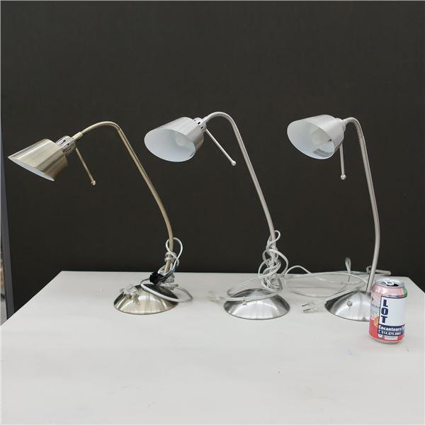 LOT: 3 DESK LAMPS