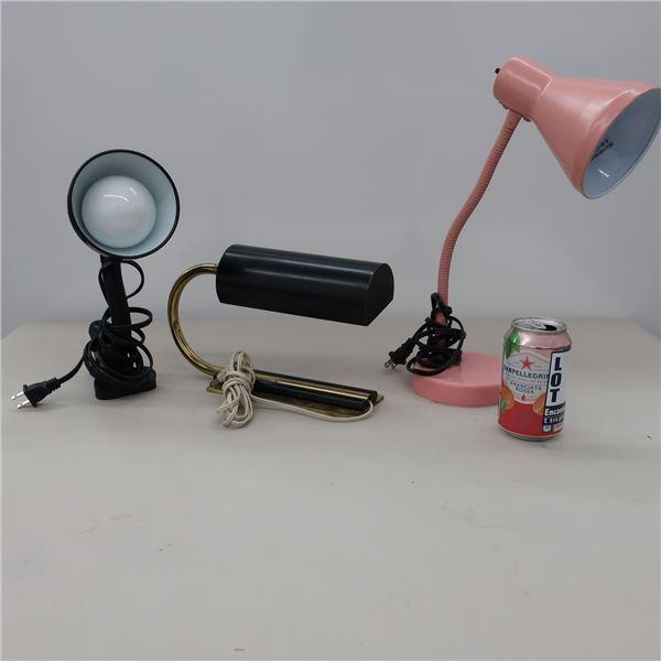 LOT: 3 ASST LAMPS