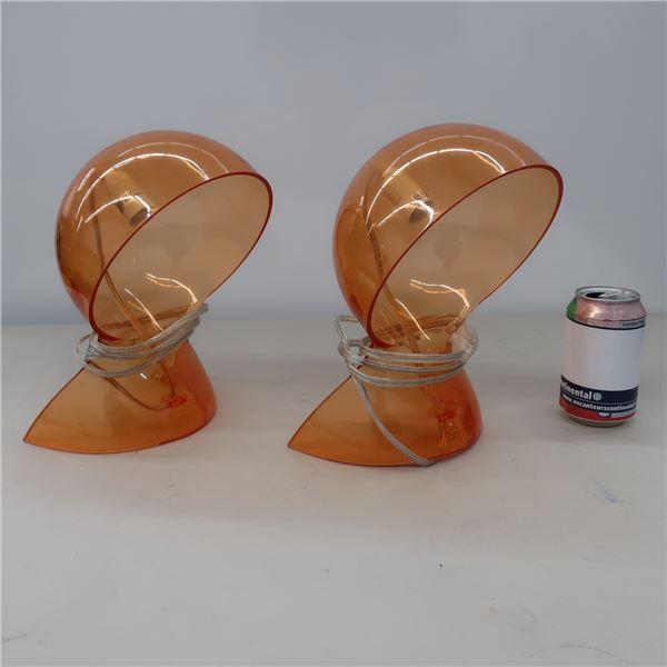 LOT: 2 PLASTIC DESK LAMPS