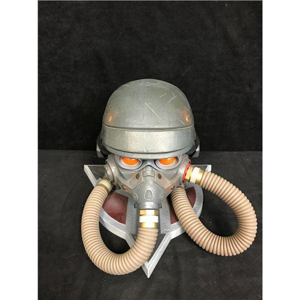 Killzone 3 Helghast Gas Mask Helmet Limited Edition Display Storage Case