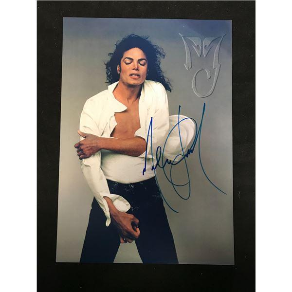 MICHAEL JACKSON SIGNED PHOTO (REAL AUTHENTIC COA)